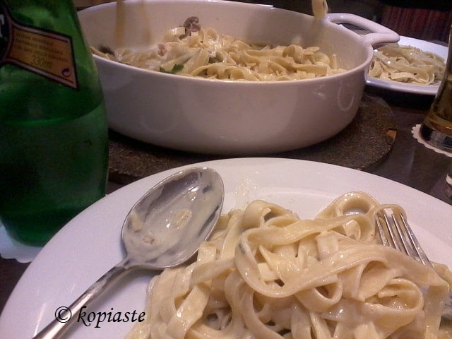Fettucine carbonara with Mushrooms image