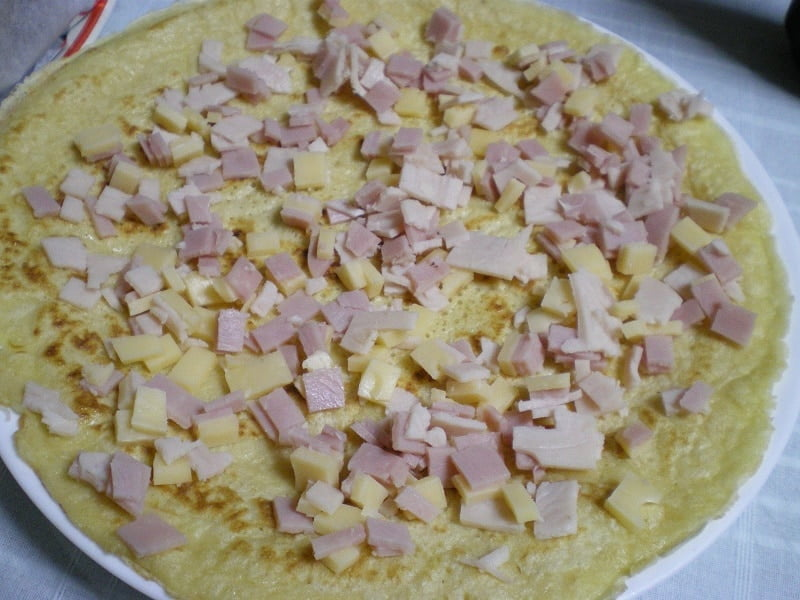 savoury crepe with ham and cheese image