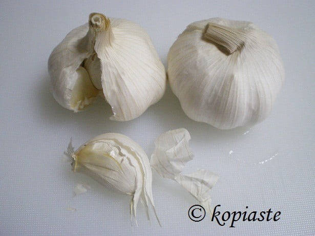 Raw Garlic image