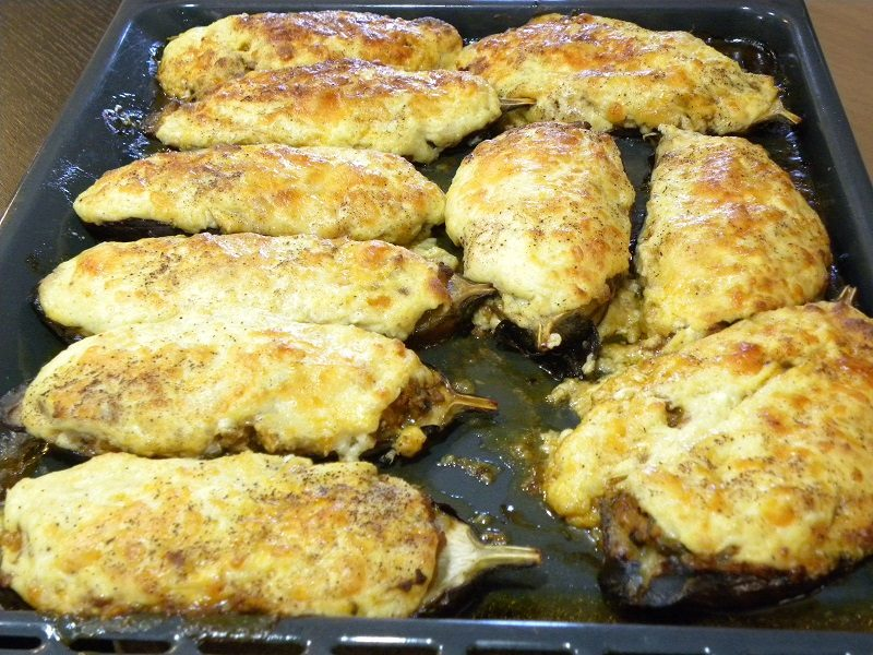 papoutsakia baked in the baking tray image