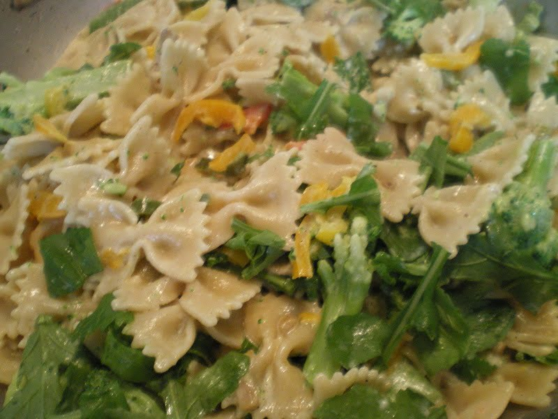Farfalle with rocket and anchovies