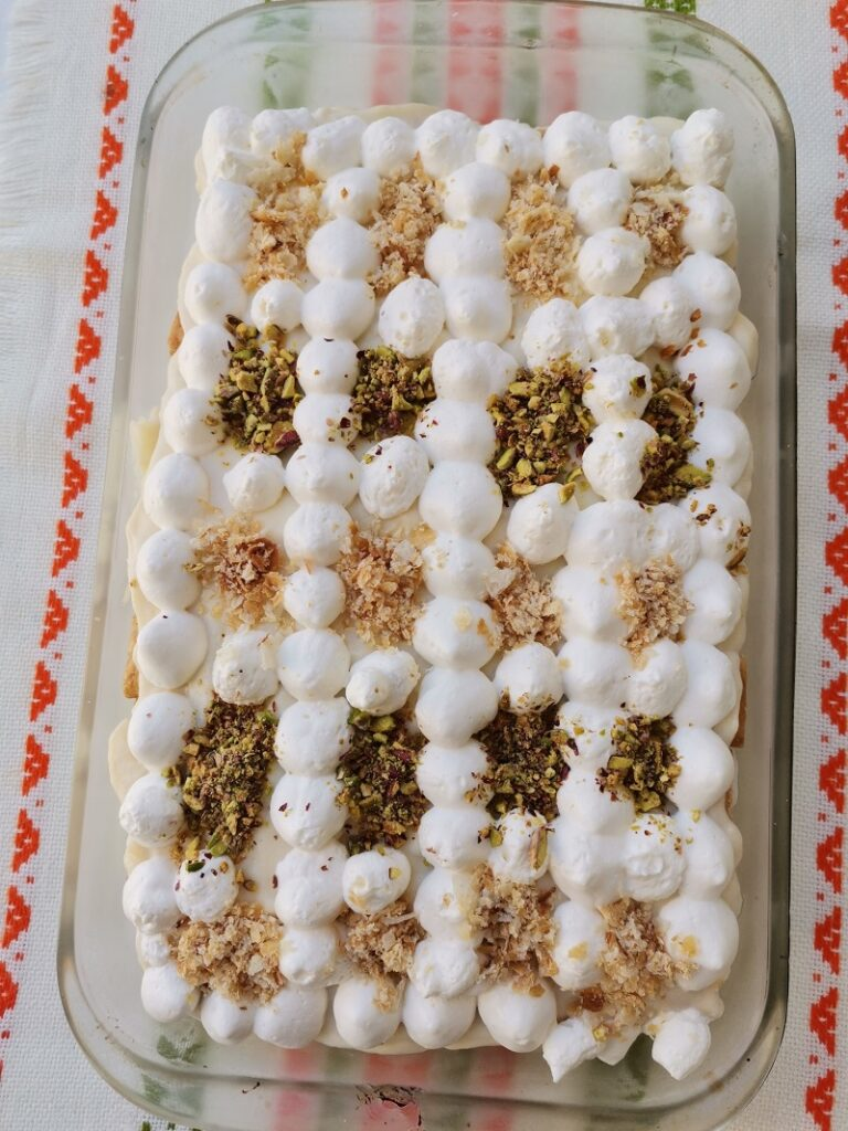 Mille-feuilles with pistachios image