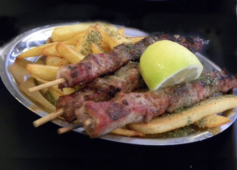 souvlaki with fried potatoes image