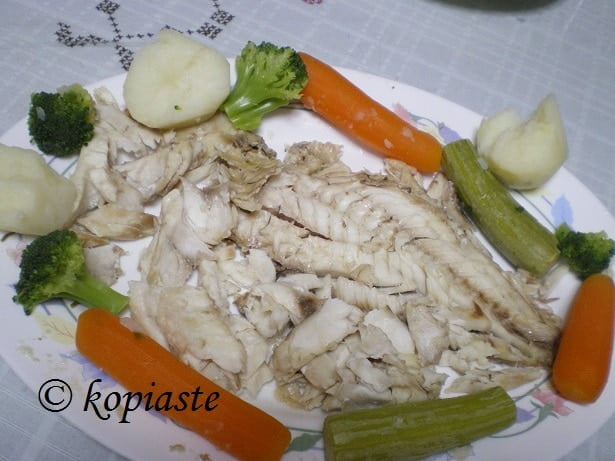 Rofos sto Alati (Whole Grouper in Salt)