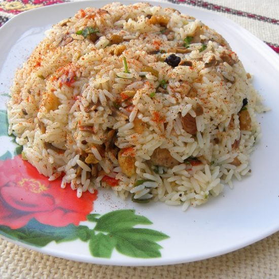 Pilafi me Fide (Rice Pilaf) with Vermicelli and Vegetables