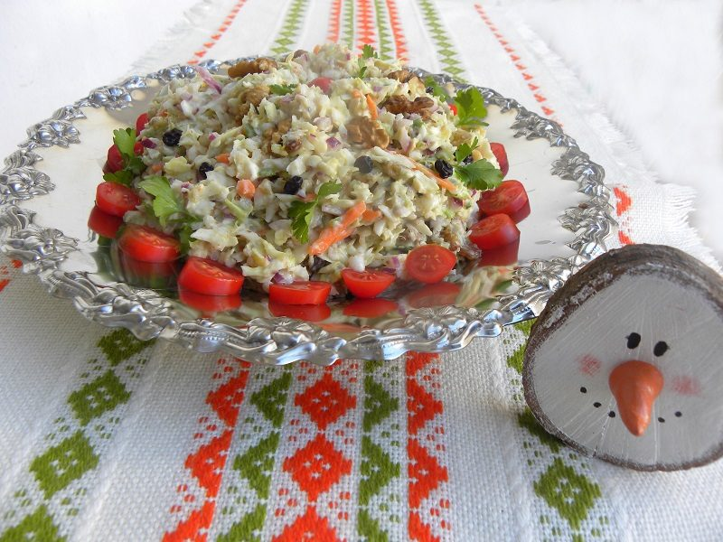 Lahanosalata with tomato, carrot and parsley image