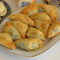Spanakopitakia (spinach triangles)