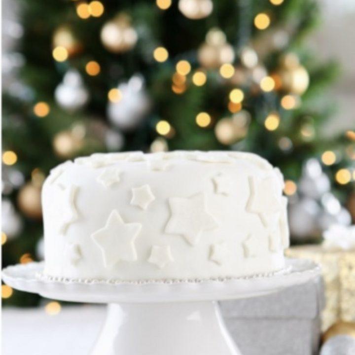 White Christmas Cake image