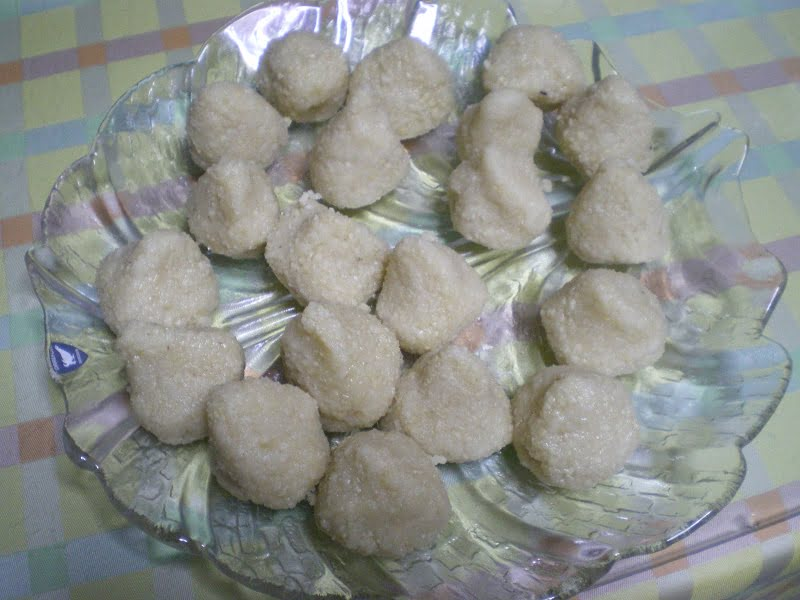almond cookies shaped image