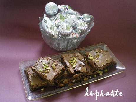 chocolate and pistachio brownies picture