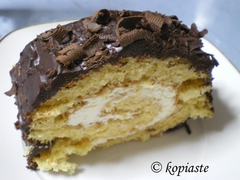 chocolate roulade cut
