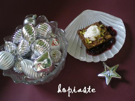 chocolate and pistachio brownies image