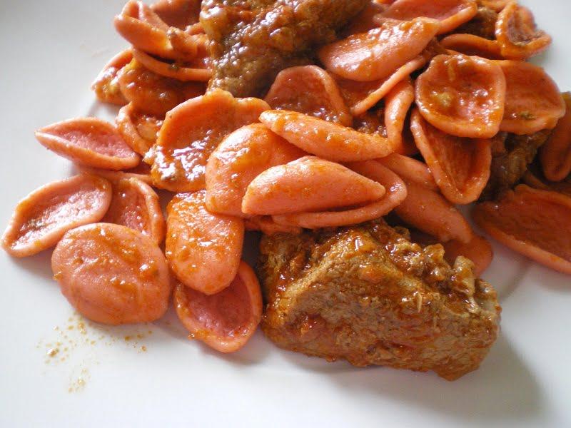 Moschari Kokkinisto with red pasta image