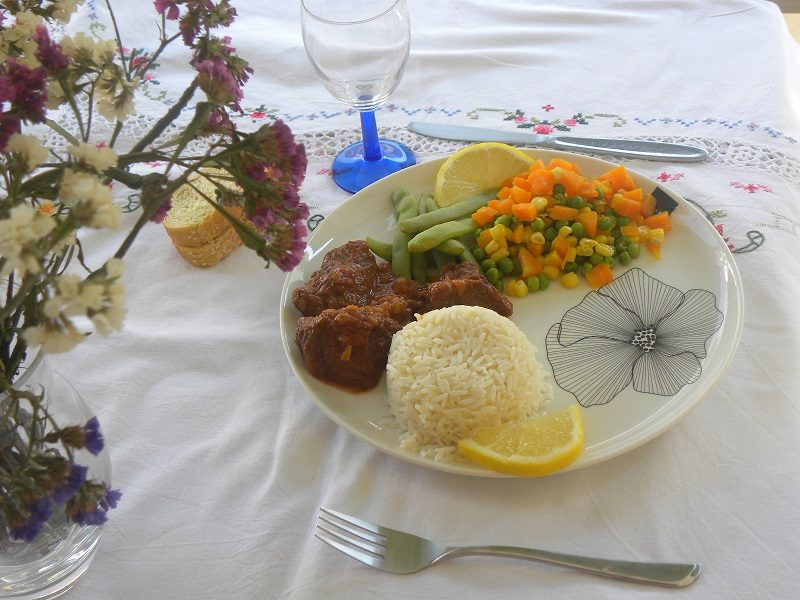 Moschari Kokkinisto with rice picture