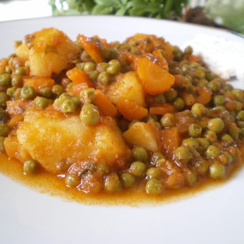 arakas with potatoes image