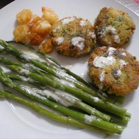 Revithokeftedes me Garides and Asparagus to fight cancer