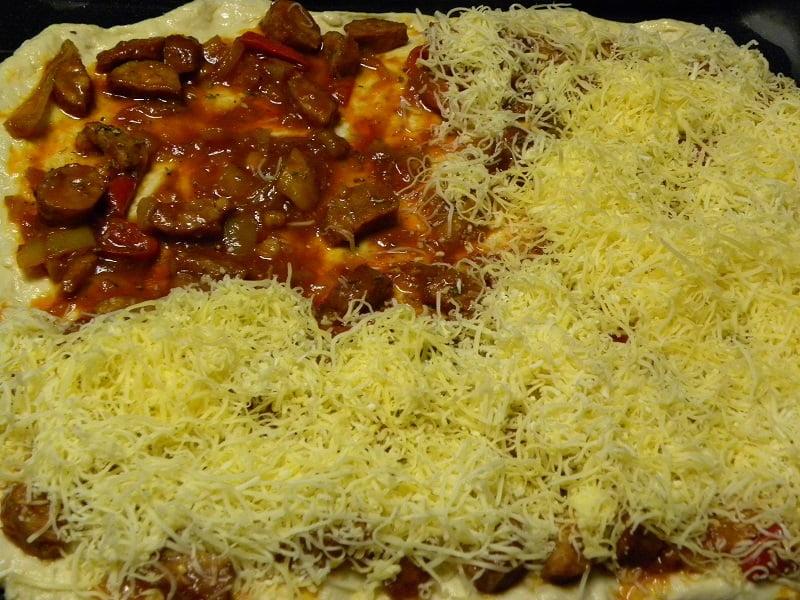 Spetzofai pizza preparation image