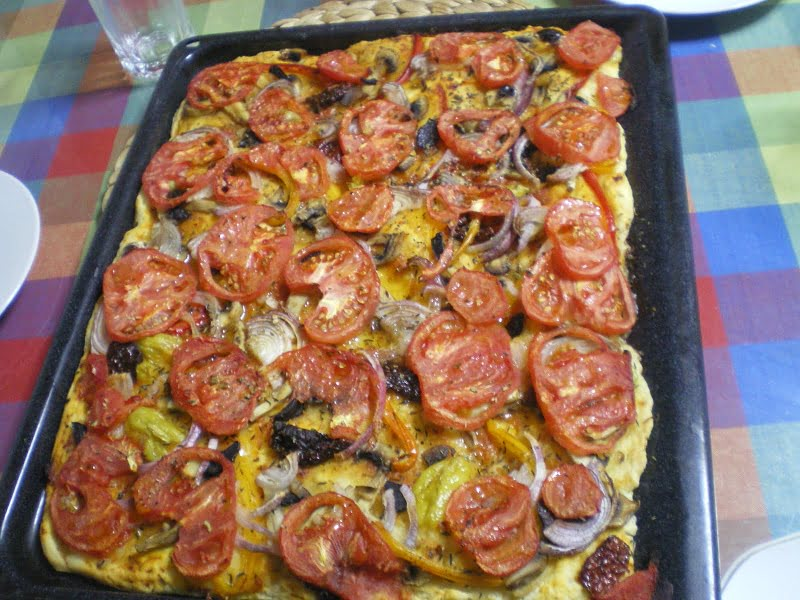 Healthy Homemade Greek Ladenia vs  Italian Pizza