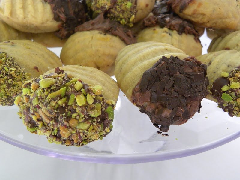 Chocolate and nuts melomakarona picture