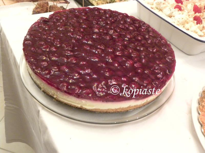 cheesecake with sour cherries jelly image