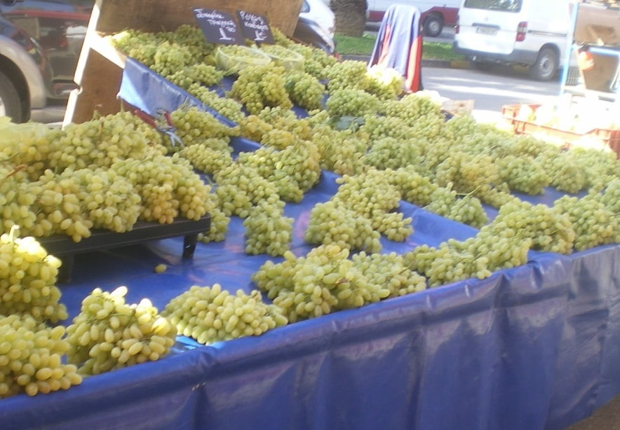 A stall with sultana grapes image