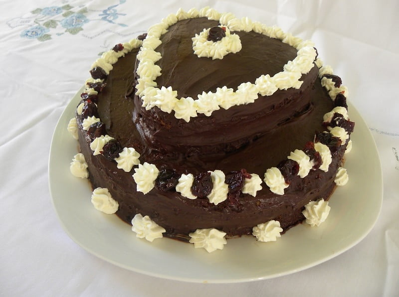 Chocolate Valentine's cake picture