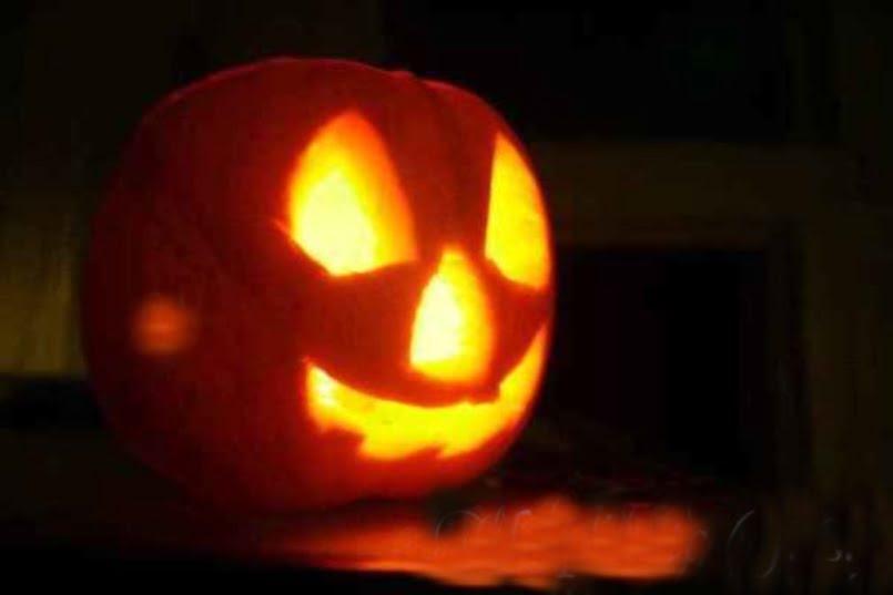 Carved pumpkin image