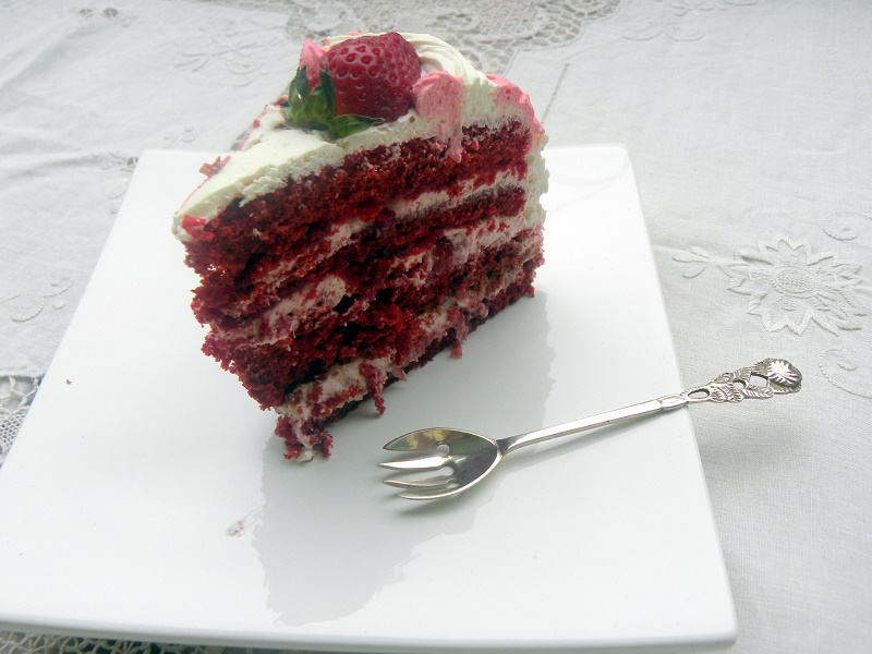 red velvet cake cut image