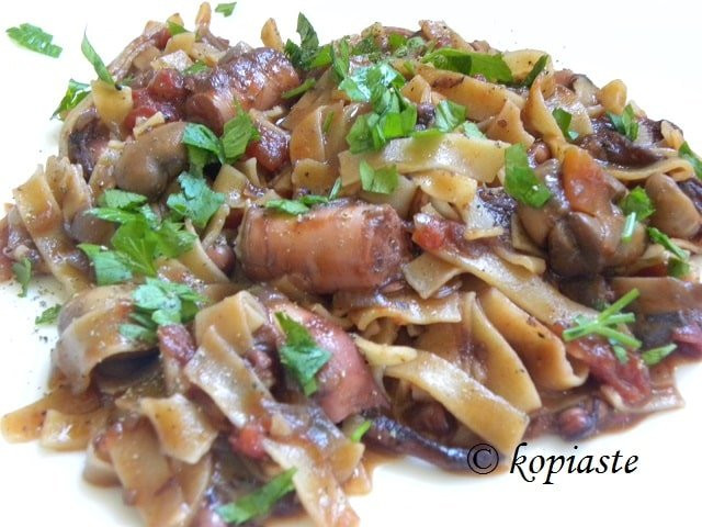 Octopus (Htapodi) with Mushrooms and Homemade Hilopites