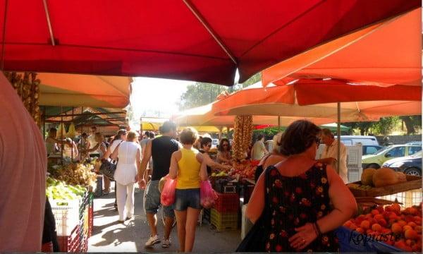 Farmers market in Nafplio image