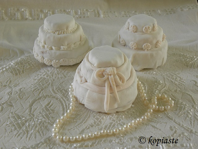 Wedding mini cakes2