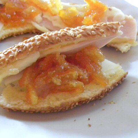 Koulouri and citrus jam image