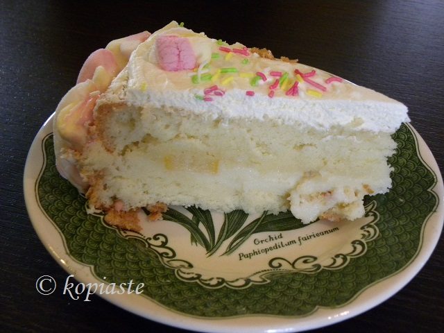 Marshmallow Cake cut