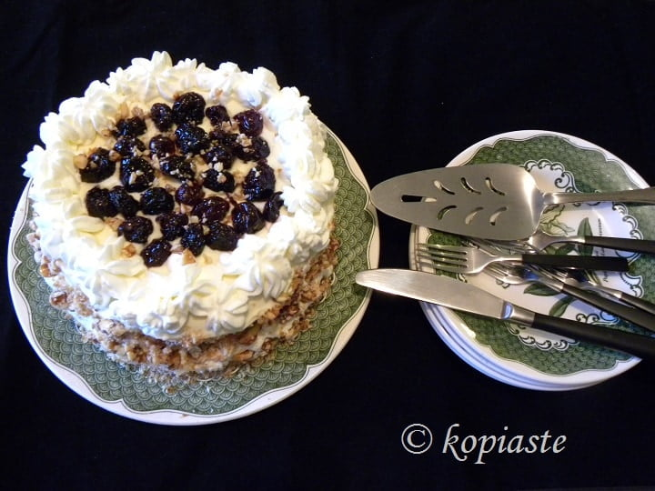 White Chocolate, Cream Cheese, Cherry and Pasteli Cake