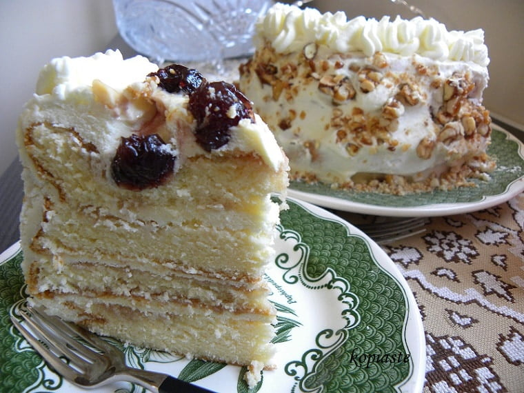 White Chocolate cream cheese frosting and pastelli cake