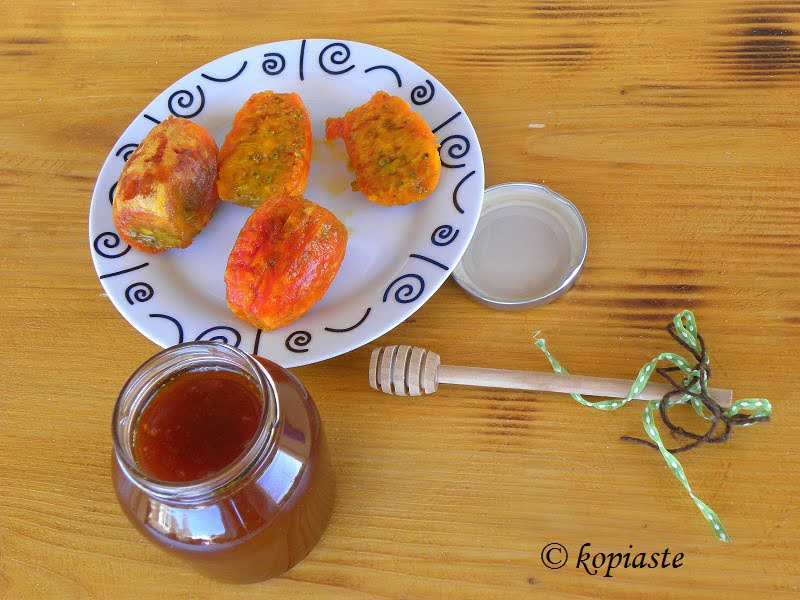 prickly-pear-honey-syrup-syropi-frangosykou image