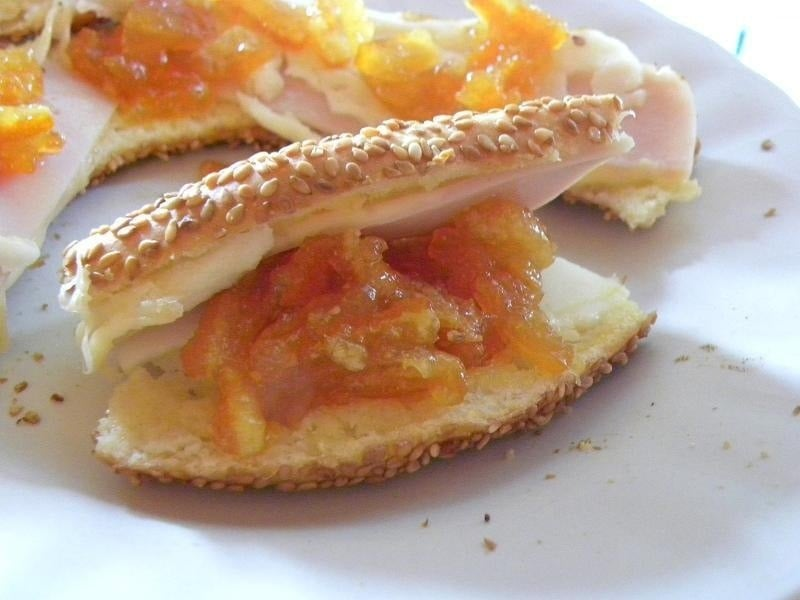 Koulouri Thessalonikis with marmalade image
