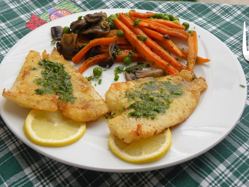Sole fish with meuni re sauce kopiaste to greek hospitality for Sole fish recipes