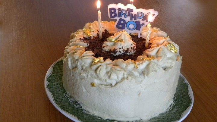 Fantastic White Chocolate Mocha Mousse Angel Food Cake Kopiaste To Greek Funny Birthday Cards Online Alyptdamsfinfo