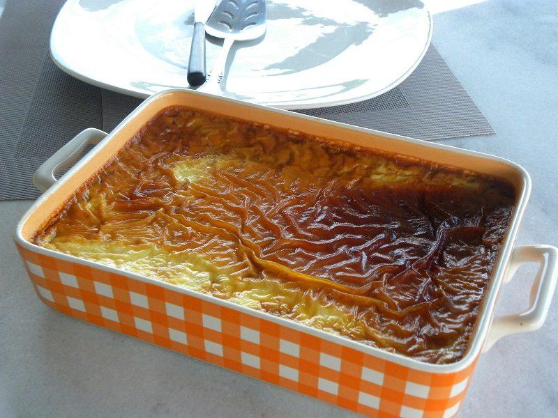 Crème caramel before inverting image