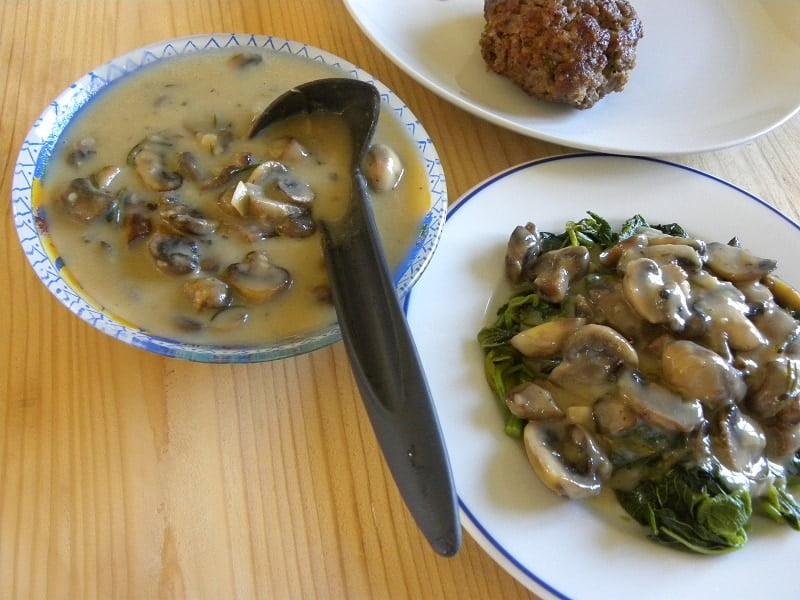 Mpifteki with Vlita and Mushroom sauce image
