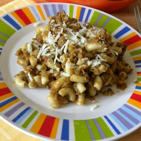 Brown lentils with pasta photo