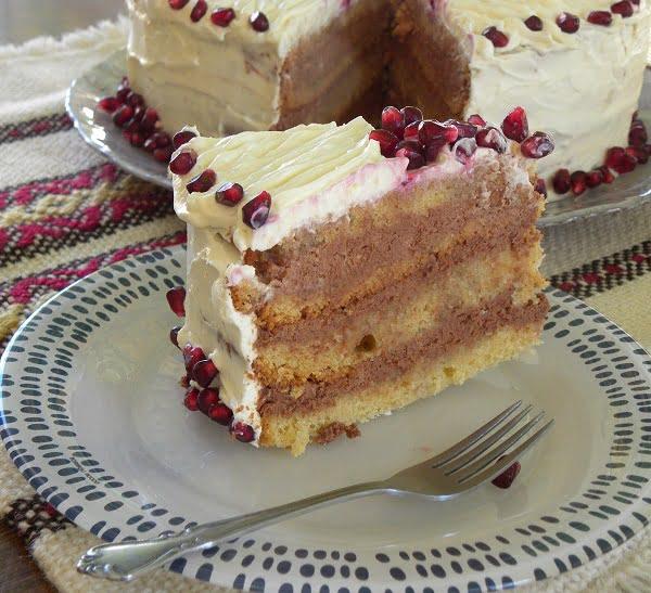 Sockerkaka cake served image