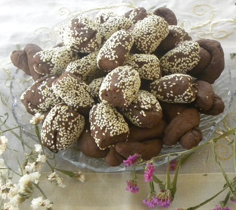 Moustokouloura in a platter image