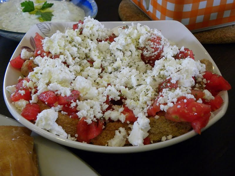 Dakos salad served picture