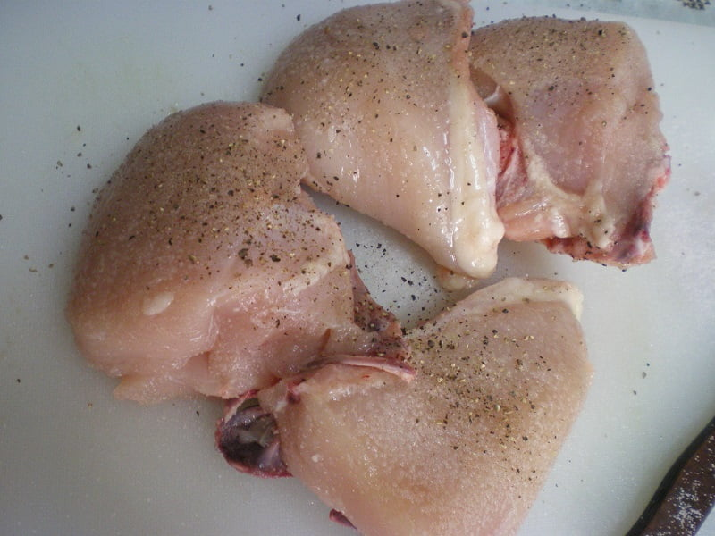 Seasoning chicken image