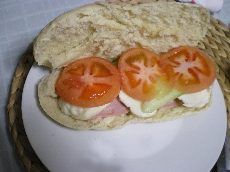 sandwich with pita bread image