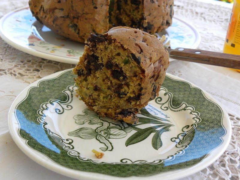 Elioti cake cut image