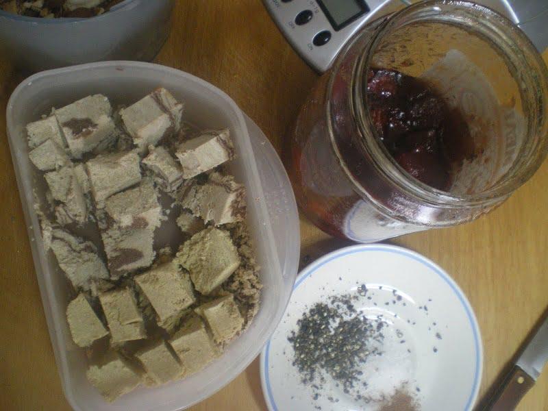 Halvas, quince and spices image