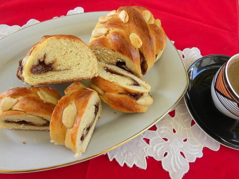 Tsoureki with chestnut filling image